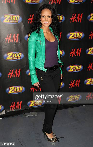 Singer Alicia Keys poses for a photo in the press room during Z100's Jingle Ball 2007 at Madison Square Garden December 14 2007 in New York City