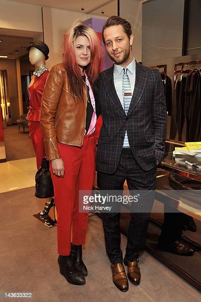 Singer Alison Mosshart and fashion writer Derek Blasberg attends the Gucci Hosts 'Very Classy' by Derek Blasberg at the Gucci Store on May 1 2012 in...