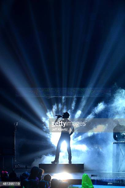 Singer Aloe Blacc onstage at Nickelodeon's 27th Annual Kids' Choice Awards at USC Galen Center on March 29 2014 in Los Angeles California