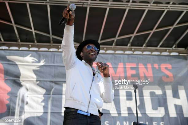 Singer Aloe Blacc performs at the Women's March California 2019 on January 19 2019 in Los Angeles California Demonstrations are slated to take place...