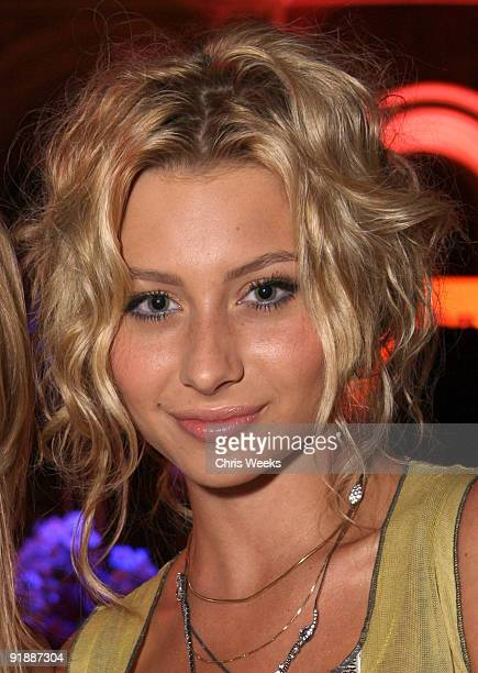 Alyson Michalka Photos and Premium High Res Pictures