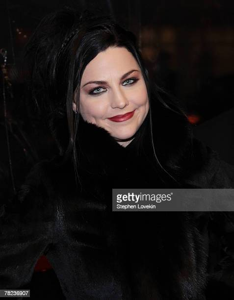 Singer Amy Lee attends the New York premiere of 'Sweeney Todd The Demon Barber of Fleet Street' at the Ziegfeld theatre on December 03 2007 in New...