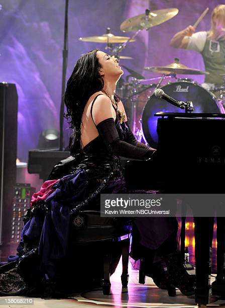 Singer Amy Lee of Evanescence performs on the Tonight Show With Jay Leno at NBC Studios on February 1 2012 in Burbank California