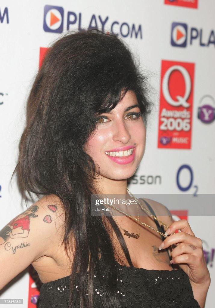 Singer Amy Winehouse poses in the Awards Room at the Q Awards 2006 held at the Grosvenor House Hotel on October 30, 2006 in London, England.