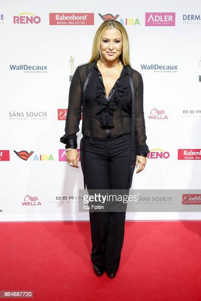US singer Anastacia attends the 'Goldene Bild der Frau' award at Hamburg Cruise Center on October 21 2017 in Hamburg Germany
