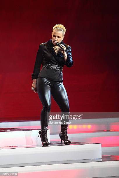 Singer Anastacia performs on stage during the Women's World Awards show at Vienna Stadthalle on February 5 2009 in Vienna Austria