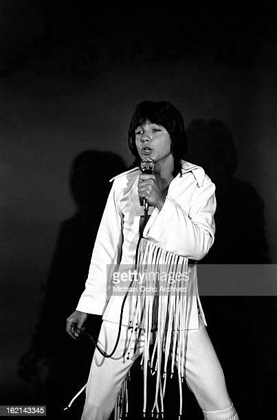 Singer and actor David Cassidy poses for a portrait on April 20 1971 in Los Angeles California