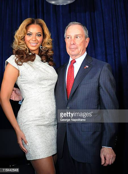 Singer and actress Beyonce and Mayor Michael Bloomberg attend the unveiling of the Beyonce Cosmetology Center on March 5 2010 in New York City