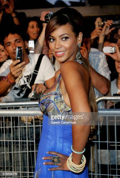 Singer and actress Beyonce Knowles attends the 'Dreamgirls' premiere at the Martinez Hotel during the 59th International Cannes Film Festival May 19...