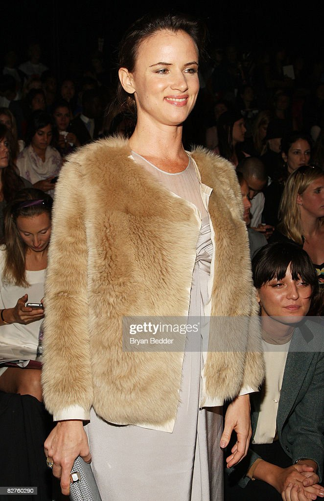 3.1 Phillip Lim - Front Row - Spring 09 MBFW : News Photo
