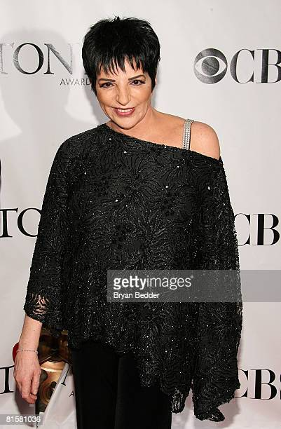 Singer and actress Liza Minnelli arrives at the 62nd Annual Tony Awards held at Radio City Music Hall on June 15 2008 in New York City