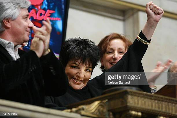 Singer and actress Liza Minnelli rings the New York Stock Exchange closing bell on January 2 2009 in New York City