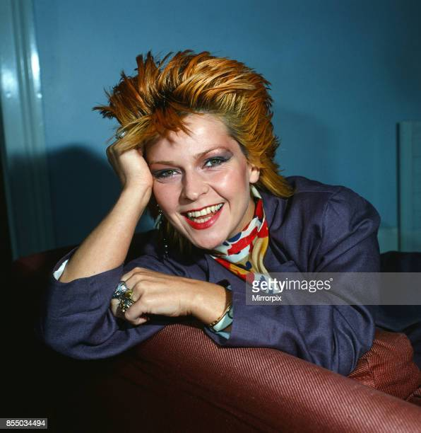 Singer//Actress F261 Toyah Photo Signed In Person