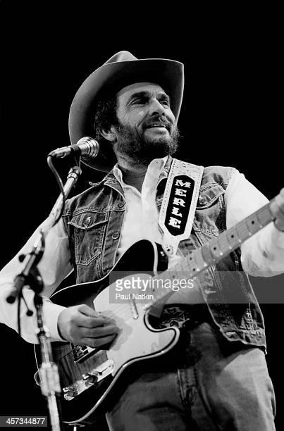 Singer and musician Merle Haggard performs, Fresno, California, April 19, 1986.
