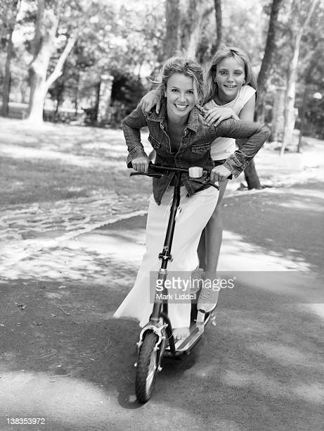 Singer and performer Britney Spears and sister Jamie Lynn Spears are photographed for InStyle Magazine on May 1 2002 in Kentwood Louisiana