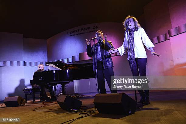 Singer and songwriter Jimmy Webb performs with Marilyn McCoo and Billy Davis Jr at The Levitt Pavillion in Macarthur Park on July 9 2016 in Los...