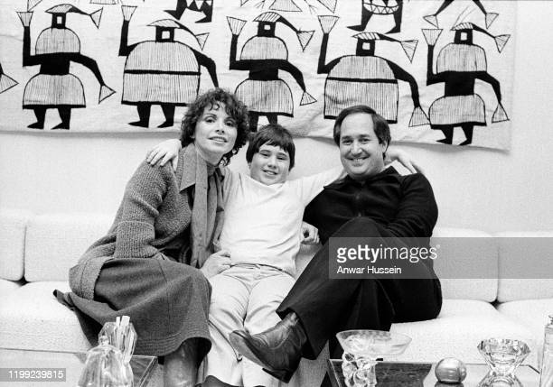 Singer and songwriter Neil Sedaka relaxing with his wife Leba and son Marc at his home in 1977 in New York United States