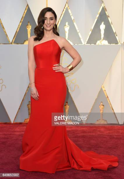 Singer and songwriter Sara Bareilles arrives on the red carpet for the 89th Oscars on February 26 2017 in Hollywood California / AFP / VALERIE MACON