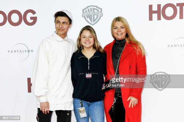 Singer and youtube star Lukas Rieger youtubestar and actress Faye Montana and her mother German actress AnneSophie Briest attend the 'Hot Dog' world...