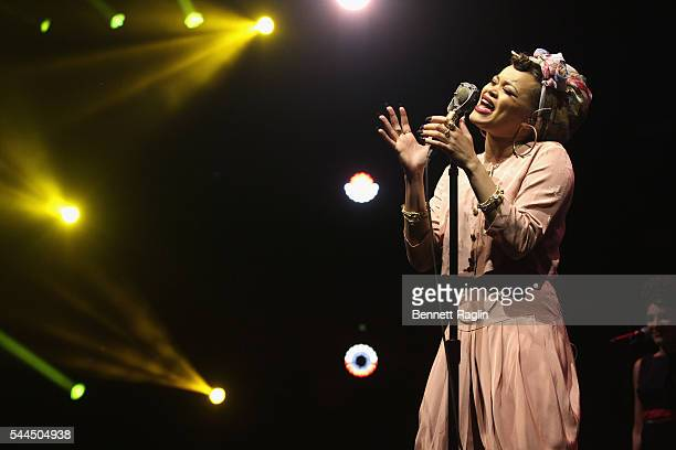 Andra Day Stock Photos And Pictures Getty Images