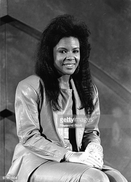 B singer Angela Winbush of the RB duo 'Rene Angela' poses for a portait session on February 8 1989
