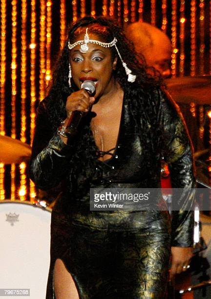 Singer Angie Stone performs onstage during the 2008 MusiCares person of the year honoring Aretha Franklin held at the Los Angeles Convention Center...