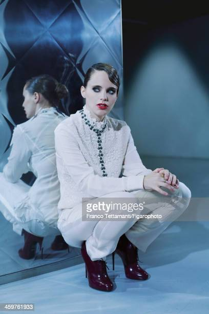 107955009 Singer Anna Calvi is photographed for Madame Figaro on September 26 2013 in Paris France Blouse and pants CREDIT MUST READ Franco...
