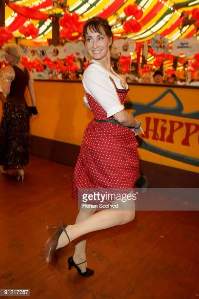 Singer Anna Maria Kaufmann attends 'Regines Damenwiesn' at Hippodrom at the Theresienwiese on September 28 2009 in Munich Germany Oktoberfest is the...