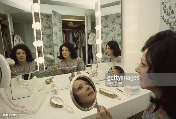 Singer Anna Moffo posing for a photo on February 3 1976 in New York New York