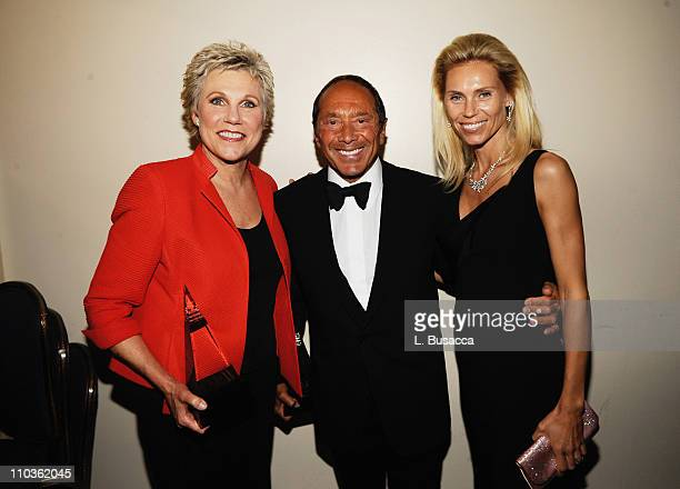 Singer Anne Murray singer/songwriter Paul Anka and Anna Yeager attend the 39th Annual Songwriters Hall of Fame Ceremony at the Marriott Marquis on...