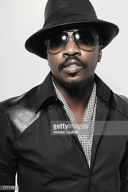 Singer Anthony Hamilton is photographed at the 37th Annual NAACP Image Awards on February 25 2005 at the Shrine Auditorium in Los Angeles California