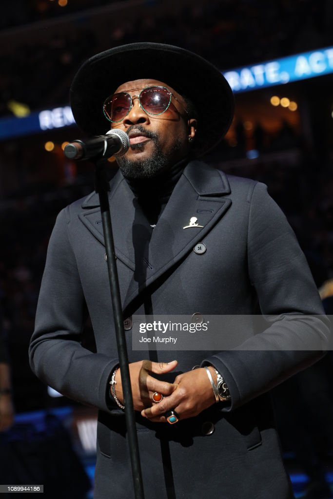 Singer Anthony Hamilton Performs During Halftime Of The Game