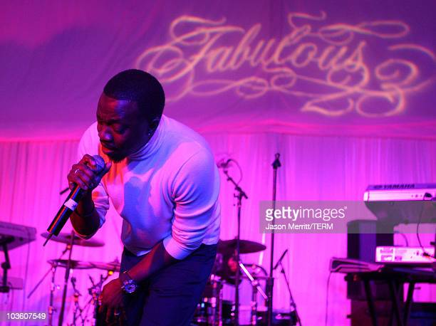 Singer Anthony Hamilton performs during the Jordan Brand Fabulous 23 Cocktail Party and Dinner held at the W Hotel Wet Deck on February 13 2009 in...