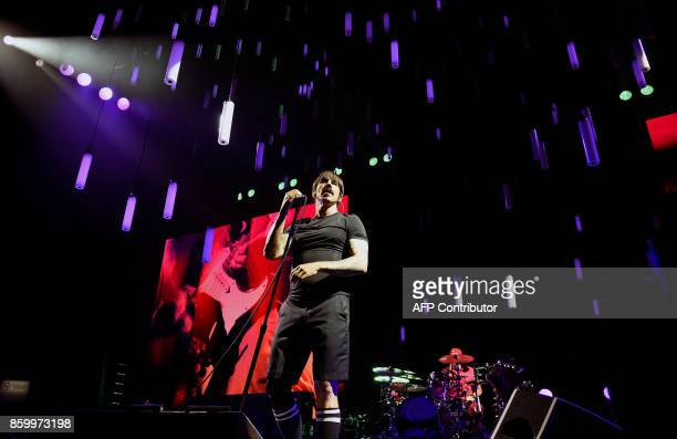 US singer Anthony Kiedis of the rock band Red Hot Chili Peppers performs at the Palacio de los Deportes in Mexico City on October 10 2017 The Red Hot...