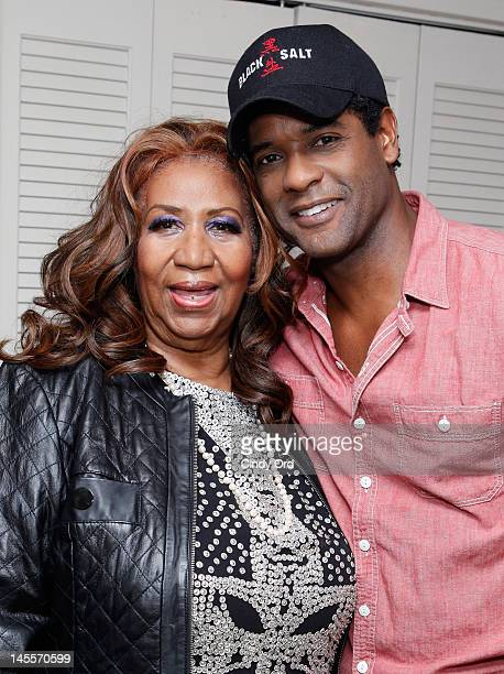 """Singer Aretha Franklin and actor Blair Underwood pose in his dressing room prior to a performance of """"A Streetcar Named Desire"""" at The Broadhurst..."""