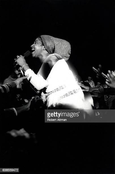 Singer Aretha Franklin performs at the Fillmore West on March 5 1971 in San Francisco California
