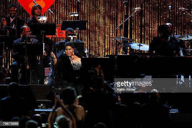 Singer Aretha Franklin performs onstage during the 2008 MusiCares person of the year honoring Aretha Franklin held at the Los Angeles Convention...