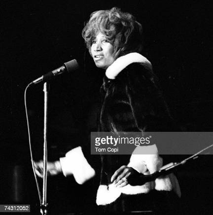 Singer Aretha Franklin performs onstage in circa 1978.