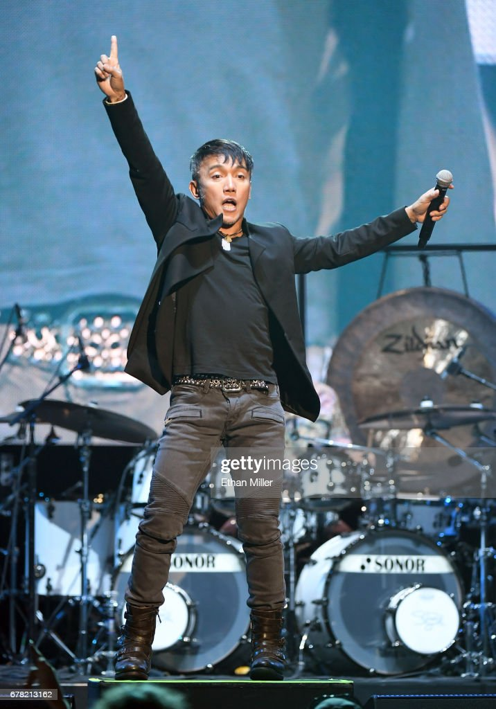 Journey Begins Second Residency At The Hard Rock In Las Vegas : News Photo