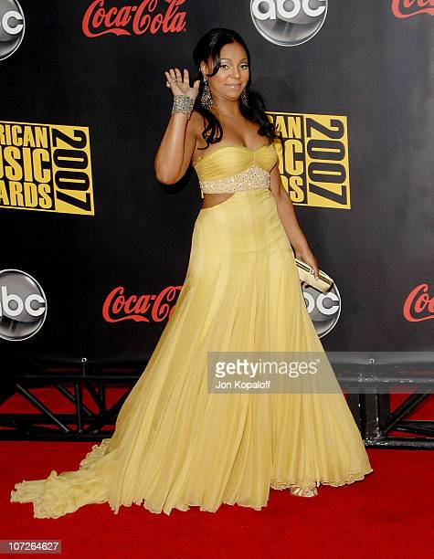 Singer Ashanti arrives at the 2007 American Music Awards at the Nokia Theatre on November 18 2007 in Los Angeles California