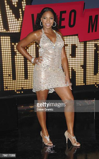 Singer Ashanti arrives at the 2007 Video Music Awards at the Palms Casino Resort on August 9, 2007 in Las Vegas, Nevada.