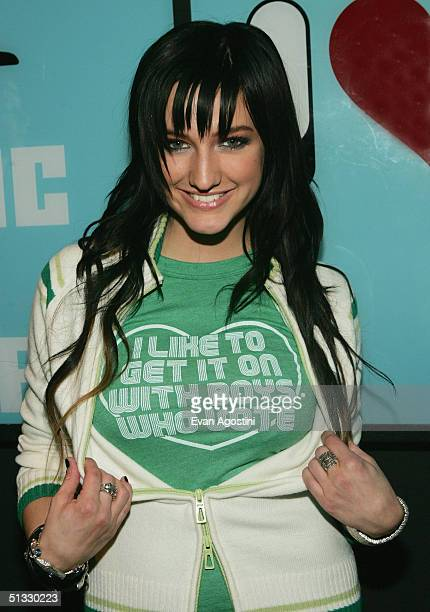 Singer Ashlee Simpson appears on MTV's Total Request Live at MTV Times Square Studios September 20, 2004 in New York City.