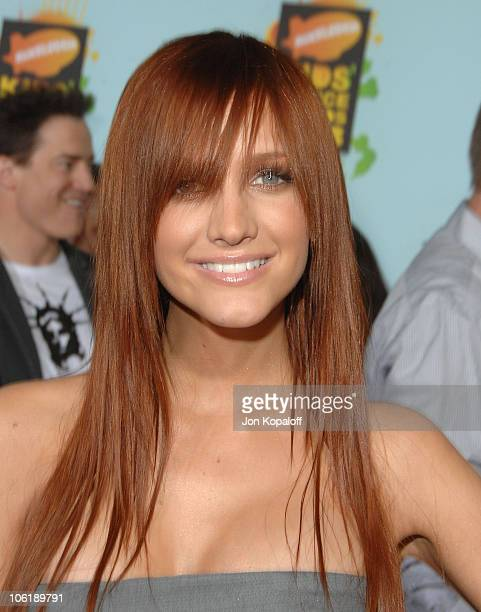 Singer Ashlee Simpson arrives at Nickelodeon's 2008 Kids' Choice Awards at the Pauley Pavilion on March 29 2008 in Los Angeles California