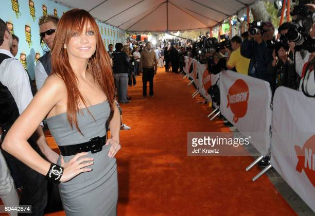 Singer Ashlee Simpson arrives on the red carpet at Nickelodeon's 2008 Kids' Choice Awards at the Pauley Pavilion on March 29 2008 in Los Angeles...