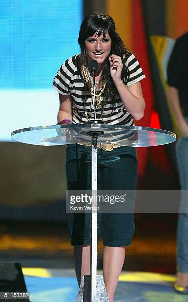 Singer Ashlee Simpson speaks on stage at The 2004 Teen Choice Awards held at Universal Amphitheater on August 8 2004 in Universal City California