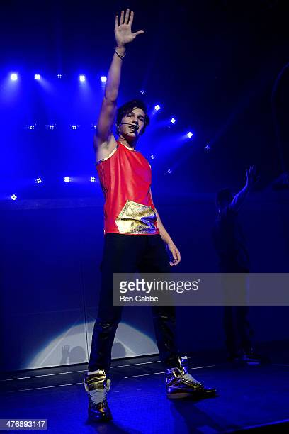 Singer Austin Mahone performs at Hammerstein Ballroom on March 5, 2014 in New York City.