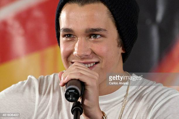 Singer Austin Mahone performs at the 40 Principales Radio Station on July 2 2014 in Madrid Spain