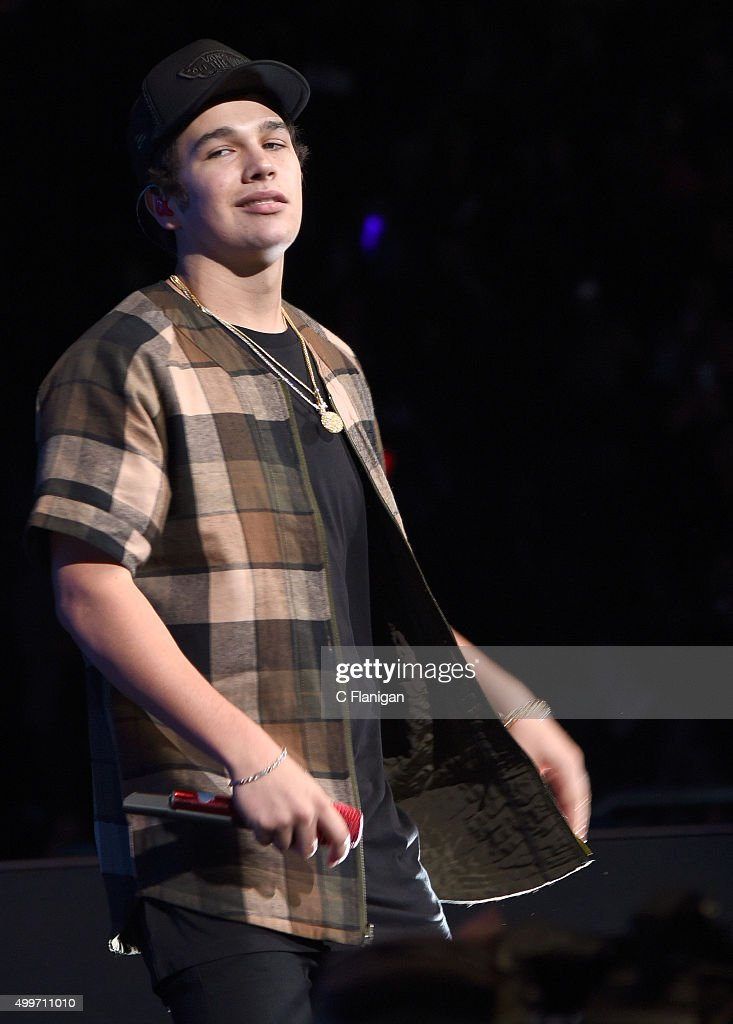 Singer Austin Mahone performs during the 6th Annual 99.7 NOW! Triple Ho Show at SAP Center on December 2, 2015 in San Jose, California.