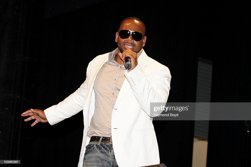 Singer Avant performs at the Harold Washington Cultural Center in Chicago, Illinois on July 22, 2010.