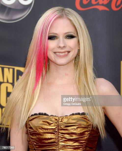 Singer Avril Lavigne arrives at the 2007 American Music Awards at the Nokia Theatre on November 18 2007 in Los Angeles California